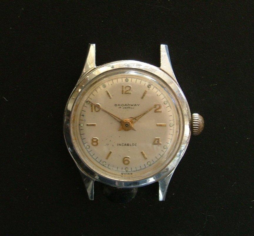 Broadway Men's Watch with Steel Case & Radium Hour Markers, Runs Great c.1940