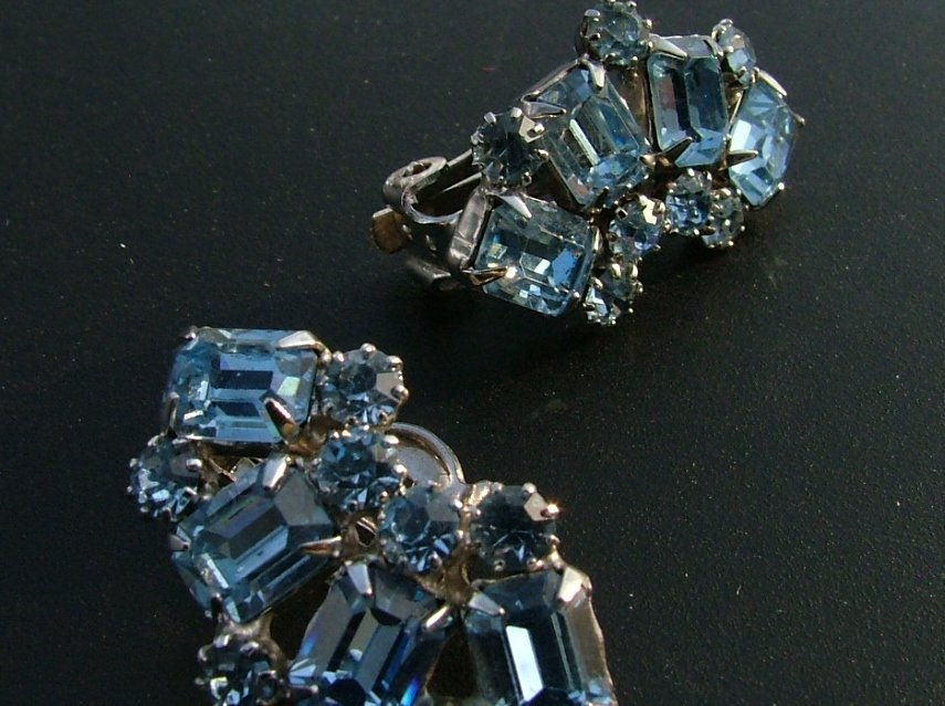 Weiss Rhinestones Earrings in Light Blue c.1949