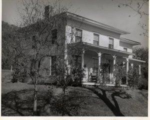Downsville N.Y. Italianate Farmhouse Near Pepacton Reervoir c.1947