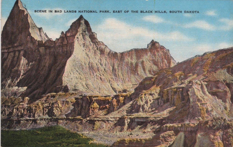 South Dakota Postcard, Badlands National Park, East of the Black Hills, Full Color c.1939