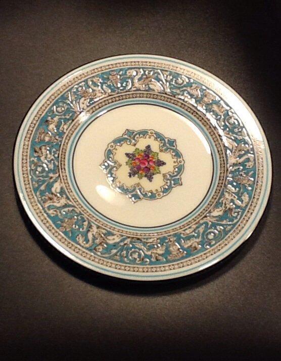 Wedgwood Fine Bone China 6 Inch Bread Plate, Florentine Pattern