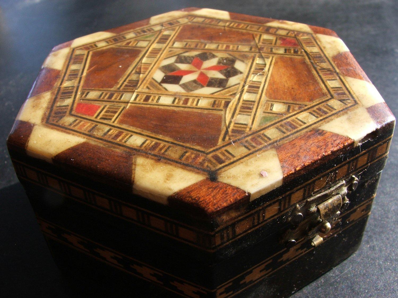 Folk Art Wood Jewelry Box, Inlay Star Pattern c.1955
