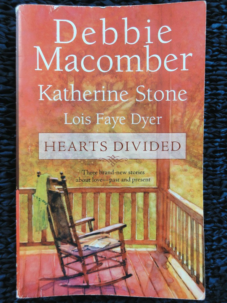 HEARTS DIVIDED, D. Macomber, K. Stone, L. F. Dyer 2006 Paperback 3 STORIES, 1st Ed
