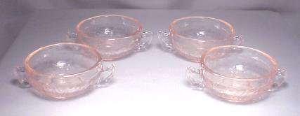 Child's Creme Soups Set of 4 Cameo Pattern in Pink