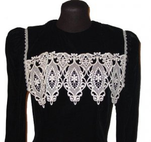 Vintage womens black velvet Gunne Sax drop waist dress with lace collar GORGEOUS