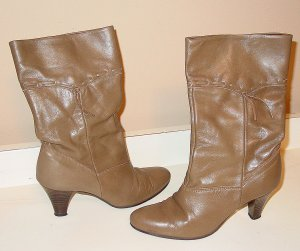 Vintage womens taupe leather boots wood heel mid calf Size 6N