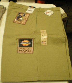 Dickies Men's Shorts size: 40 NEW w/ Tags TAN/Khaki