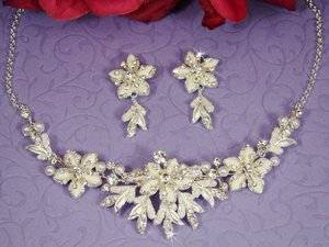Winter Wonderland White Snowflake WEDDING Jewelry Set!