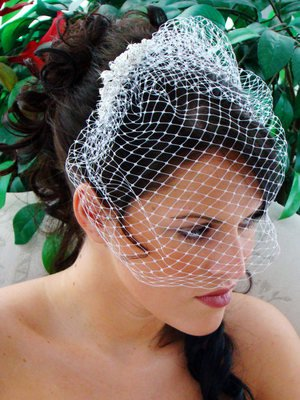 VINTAGE WHITE or IVORY BIRDCAGE VEIL CRYSTAL RHINESTONE COMB