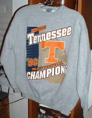TENNESSEE VOLUNTEERS NAT'L CHAMPS SWEATSHIRT,MED *NEW
