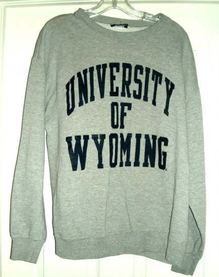 UNIVERSITY OF WYOMING SWEATSHIRT, SIZE: LARGE *NEW*