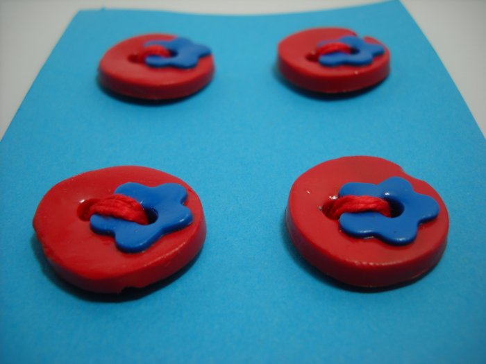Cherry Round Buttons with Blueberry Flowers  - mylime