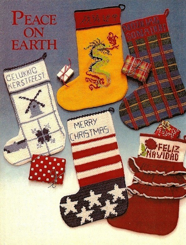 X809 Knit & Crochet PATTERN ONLY 8 Christmas Stockings Around the World Int.