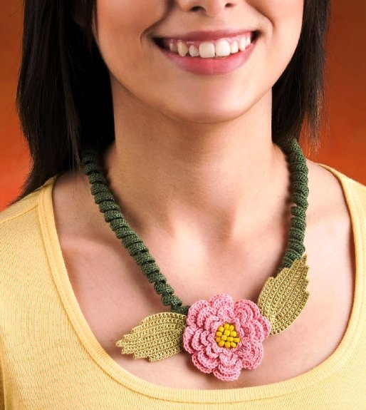 Y075 Crochet PATTERN ONLY Spiral Blossom Necklace