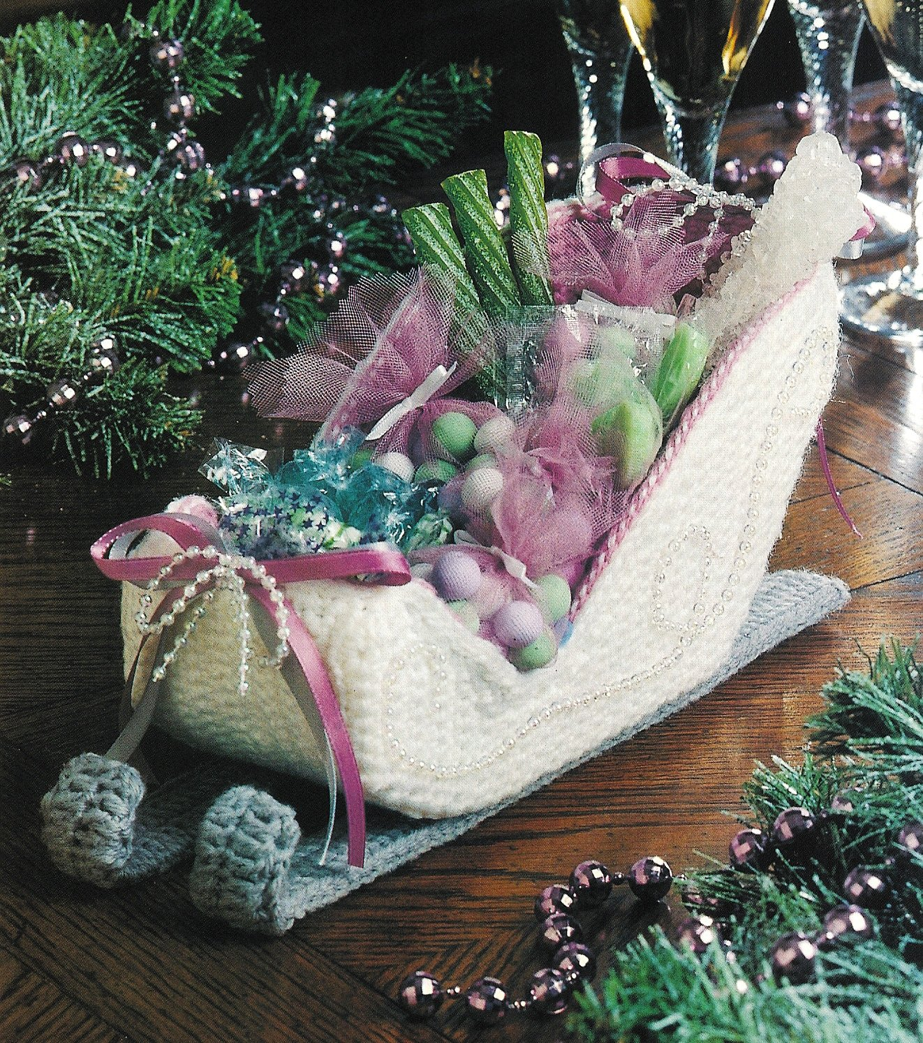 X761 Crochet PATTERN ONLY Victorian Sleigh Christmas Decoration Ornament