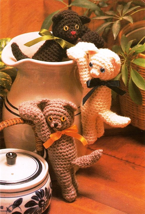 Y296 Crochet PATTERN ONLY Hanging Kitty Toy Pattern Cats Kittens