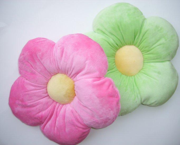 Daisy Flower Plush Pillow - Kids / Girls Room - Pink - Medium