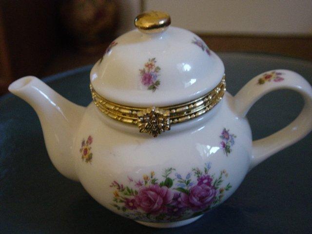 Beautiful Little White Porcelain Teapot Trinket Box With
