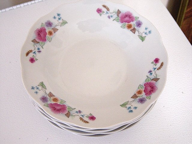 Set of Six Delicate China Floral Soup Dessert Bowls Made in Japan  #301021
