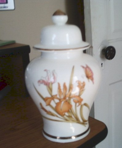 Beautiful White Porcelain Peach and Rose Iris and Butterfly Ginger Jar  #301172