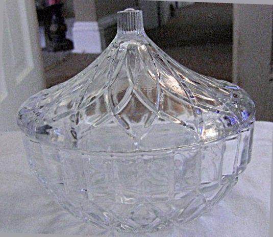 Vintage Round Covered Clear Glass Candy Bowl with Lid  #301534