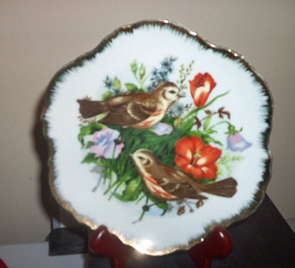 "7"" Collector's Plate Rose-breasted Grosbeak Birds Flowers Gold Trim #301679"
