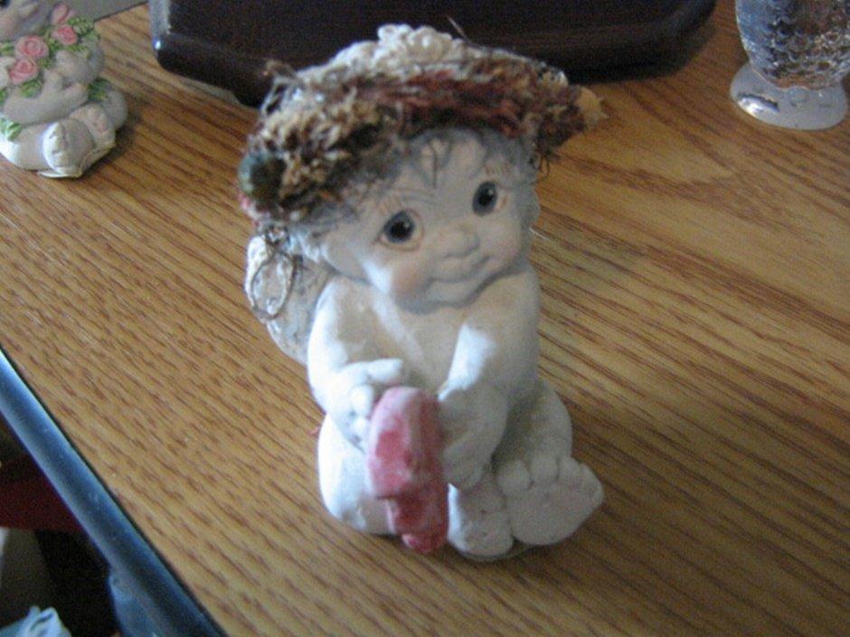 1995 Dreamsicles Angel Figurine Holding Broken Heart Signed Kristin #301940