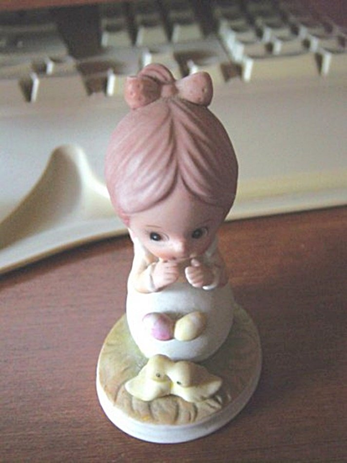 Lefton Hand Painted Porcelain Little Girl with Chicks Figurine #300174
