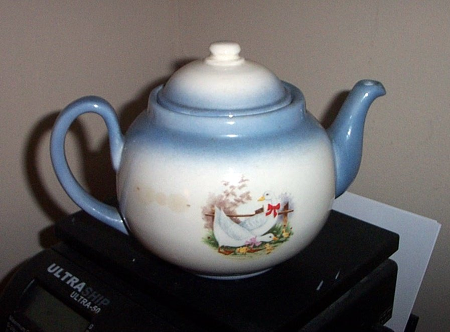 Vintage Blue and White Mr and Mrs Duck and Their 3 Ducklings Teapot #301747