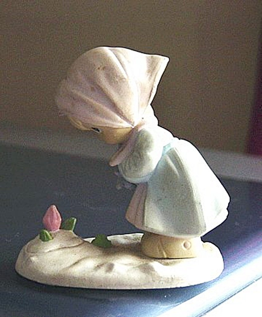 1989 Precious Moments Plastic Enesco Spring Flowers Girl Figurine #300659
