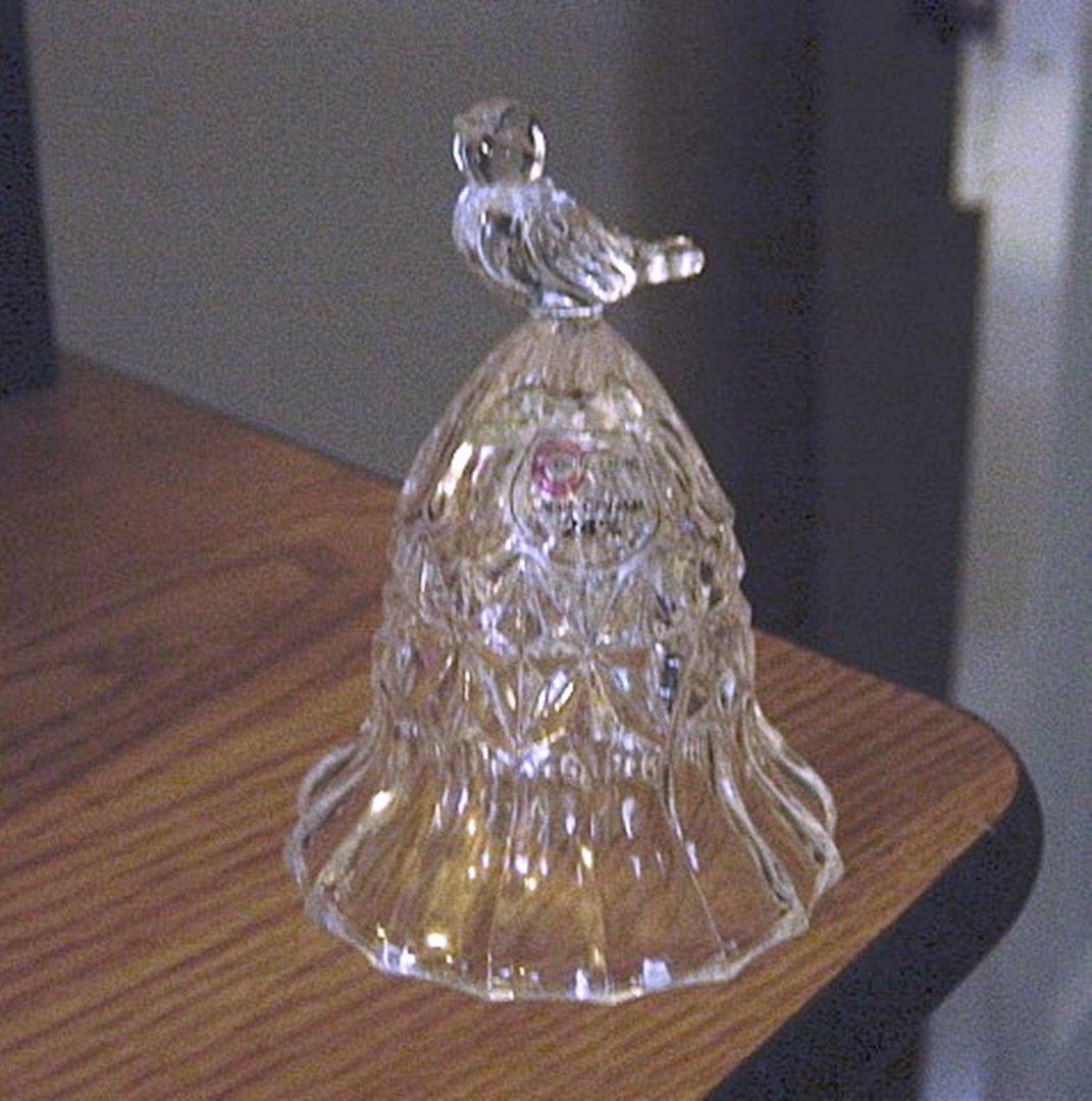Chung Chung 24% Lead Crystal Bird Handle Bell    #301055