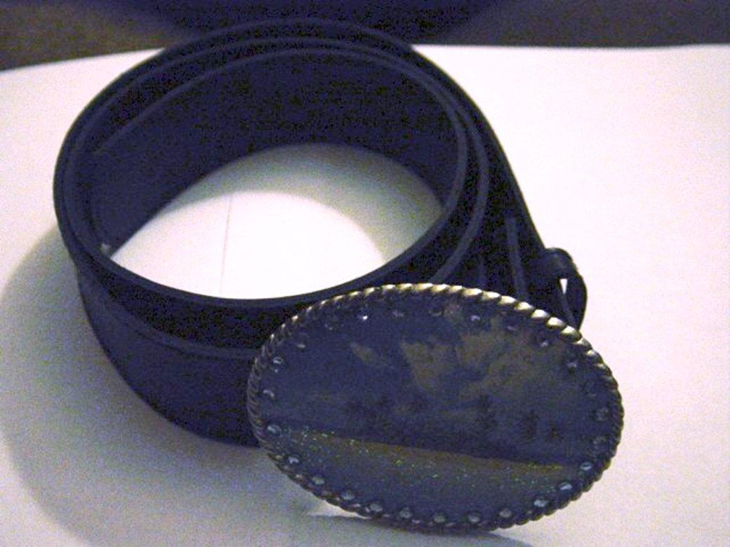 Black Leather or Vinyl Belt with Oval Silver Deserted Tropical Island Belt Buckle Sz 13 #302156