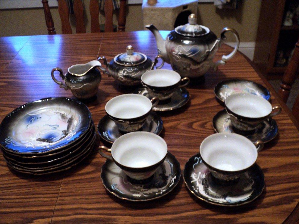 20 pc Lucky China Moriage Set: Teapot, Creamer, Sugar Bowl, 5 Cups,  6 Saucers, 6 Plates #302240