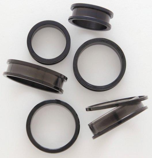 """1"""" Inch Screw On Tunnels Ear Plugs Eyelets Black 24mm"""