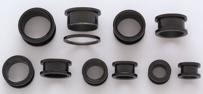 "Pair 7/16"" Inch Screw On Tunnels Ear Plugs Eyelets Black 11mm"