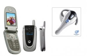 Motorola V600 Bluetooth Combo Triband GSM Cellular Mobile Phone Unlocked