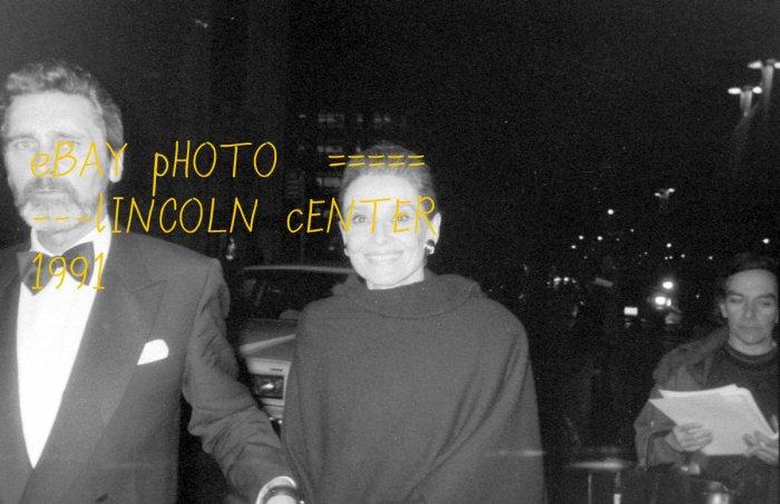 Rare Audrey Hepburn candid Photo Celebrity Picture