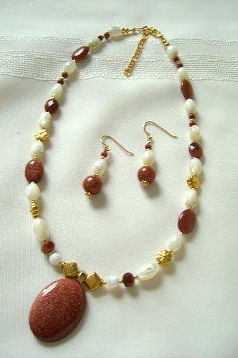 Goldstone Pendant Necklace 3013