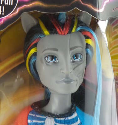 Monster High Freaky Fusions Neighthan Rot - hybrid of zombie & unicorn nathan