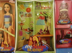 My Scene Nolee Doll, Case and Outfit Giftset