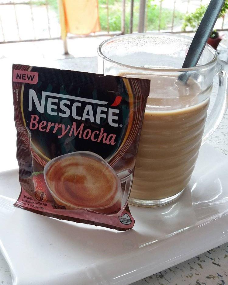 50 NESCAFE Berry Mocha 30g Strawberry Flavor Complete Coffee Mix 2 Cups Per Bag