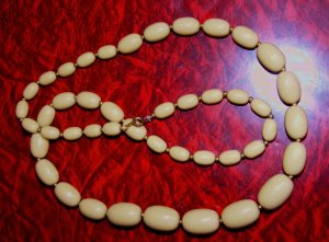 """70S Beige Tan Chunky Plastic Bead Necklace 28"""""""