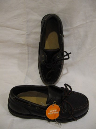 NEW Boy's Rockport shoes, size 1, Wide