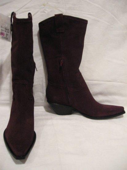 $146 NEW BCBG GIRL Womens Burgundy Boots, size 6.5