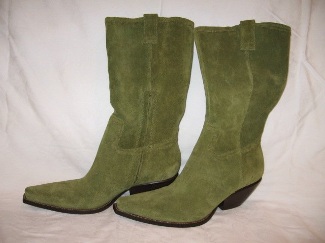 $225 NEW BCBG GIRL Womens Olive Green Boots, size 6