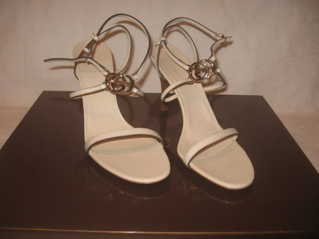 New in Box Authentic GUCCI Women SANDALS SHOES Heels GG LOGO sz 9 B - FREE SHIPPING