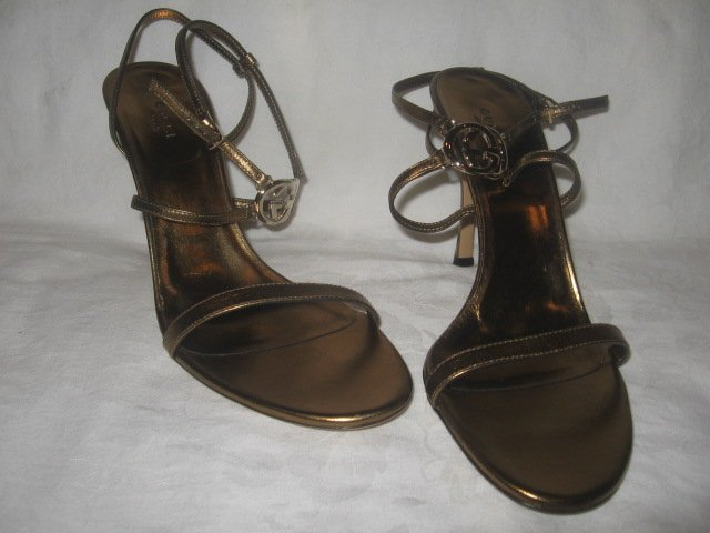 New in Box Authentic GUCCI Women SANDALS SHOES Heels GG LOGO size 9.5 B  9 1/2  - FREE SHIPPING