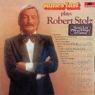 Plays Robert Stolz [Vinyl]