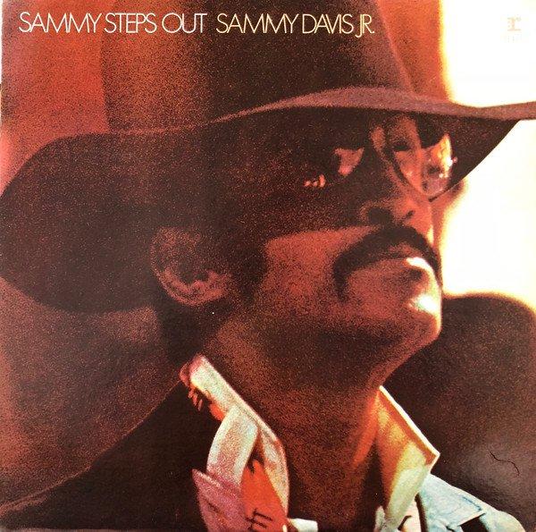 Sammy Steps Out [Vinyl]