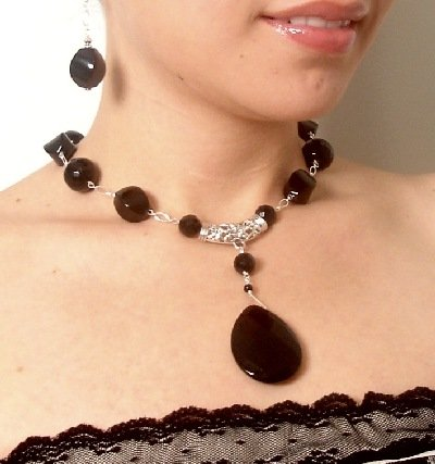 NN0012 - NECKLACE WITH FACETED BLACK ONYX BEADS (FREE EARRINGS)(SELL NATALIA)